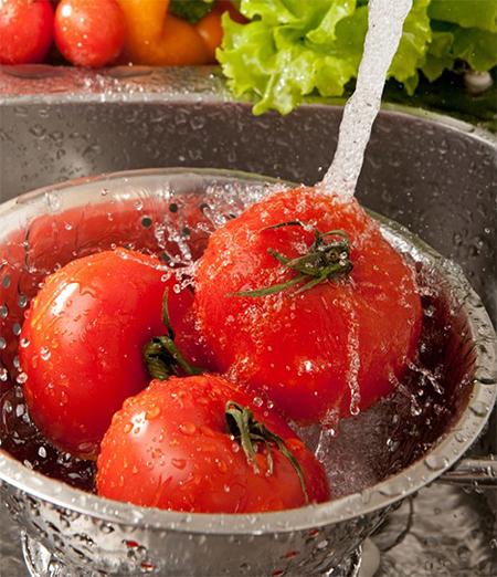 วิธีการล้างผักผลไม้จานหลักให้มั่นใจ