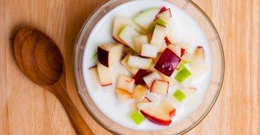 พุดดิ้งนมสดกับสลัดแอปเปิ้ล