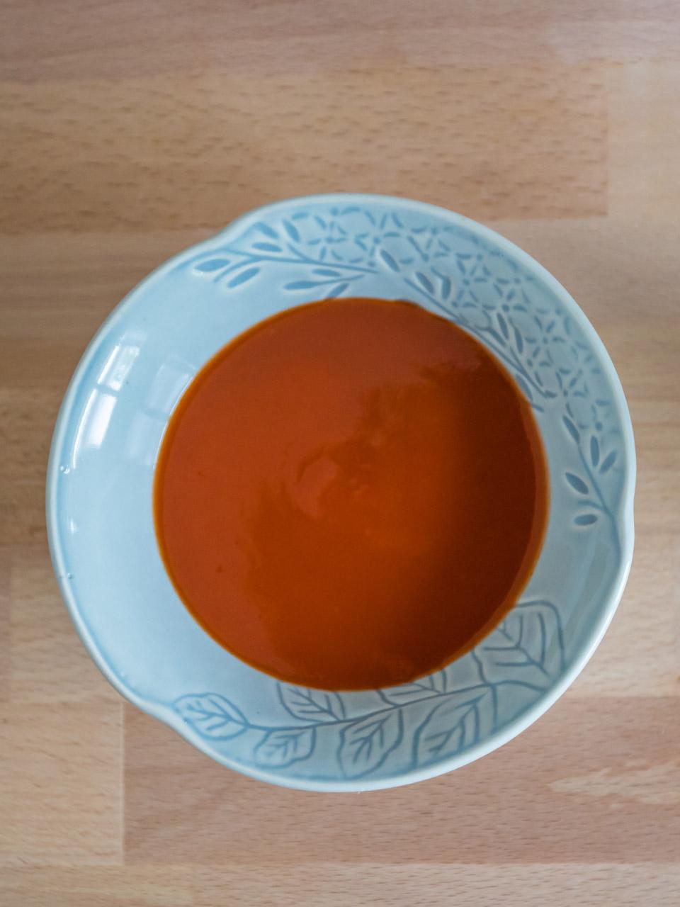 เนื้อน้ำจิ้มของซอสพริกศรีราชาพานิช