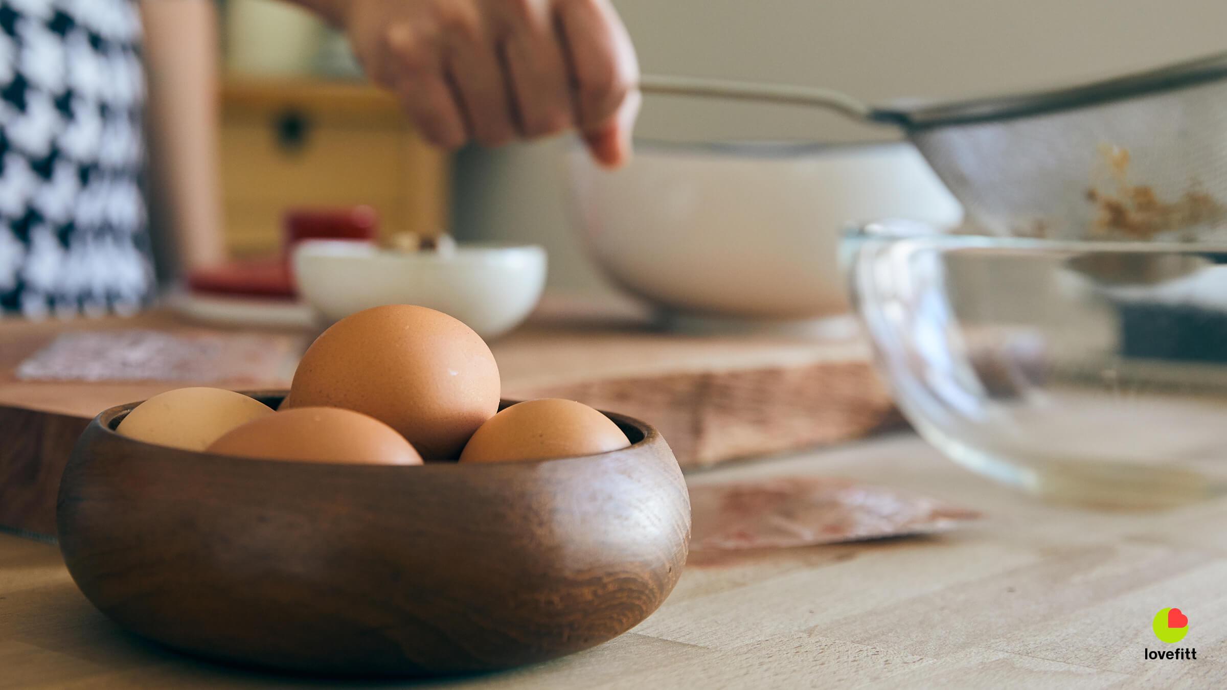 ไข่ไก่เตรียมไว้ทำซุปไข่ข้น